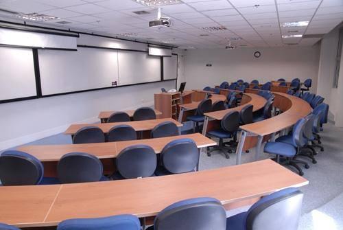 Ibmec - classroom