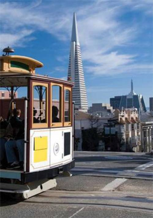 Cable Car, Transamerica Pyramid, San Francisco, California, USA