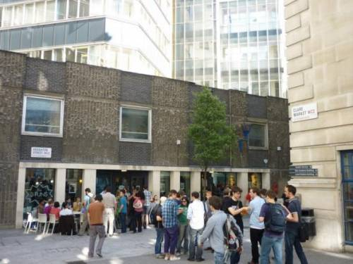 LSE - The Three Tuns Pub