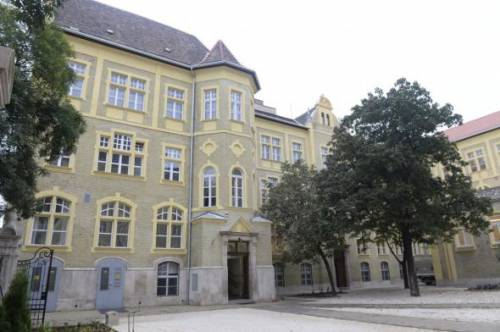 The venue of the LL.M. program is located near central tourist attractions in Budapest downtown. Heroes` Square is only a few minutes walk, and the building is close to the Keleti Palyaudvar (Budapest Keleti, a central train station). In the surrounding streets low-cost accommodation for students in private flats is easy to find. The University offers student services in finding private housing.
